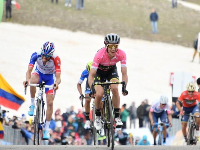 Giro d'Italia, Yates vince sul Gran Sasso: staccati Aru e Froome