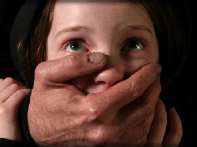 """Pedofilia, la testimonianza choc: """"Abusata da prete a 11 anni, volevo morire"""""""