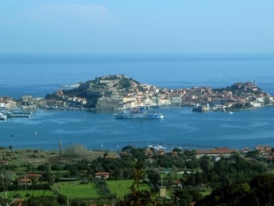"""Legambiente: «Il """"nuovo"""" piano per l'accosto delle navi da crociera a Portoferraio era già stato bocciato nel 2007»"""