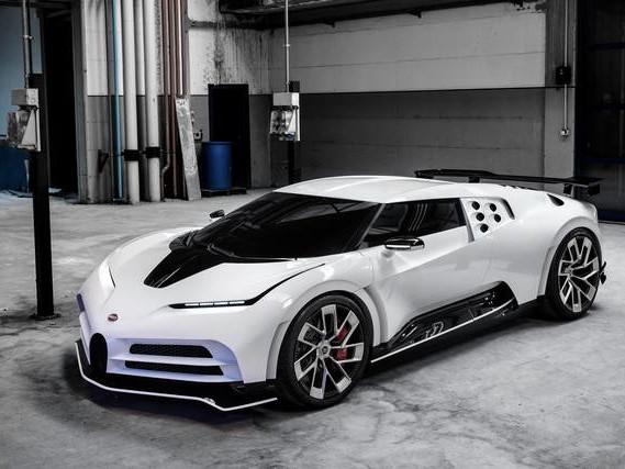 Bugatti Centodieci: per ricordare la EB110