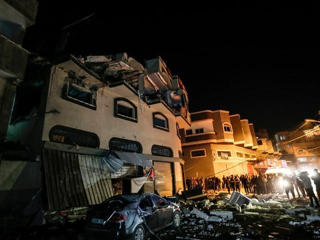 Gaza, altri 3 palestinesi uccisi da nuovi raid di Israele