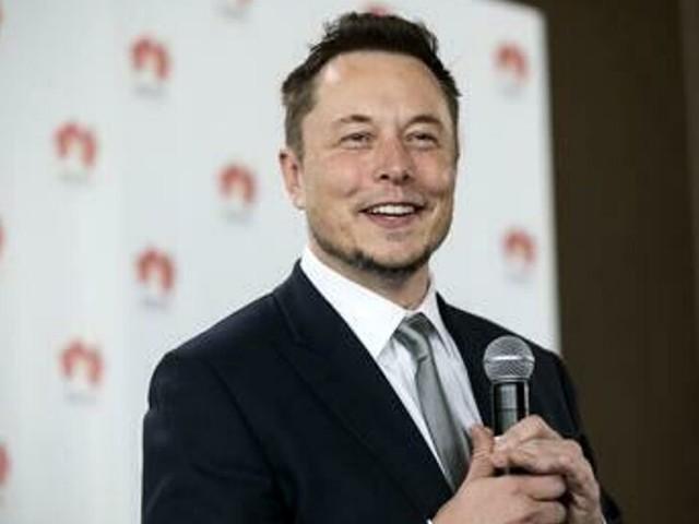 Elon Musk è l'uomo più ricco del mondo: supera il patron di Amazon