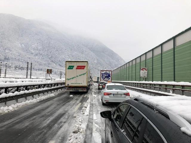 In arrivo quattro giorni di neve Allerta della Protezione Civile l'A22 riduce la carreggiata a una corsia