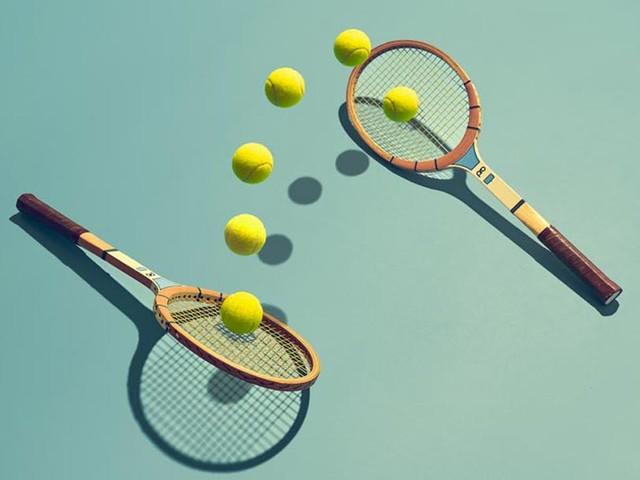 Il tennis è tra gli sport più amati al mondo e uno dei protagonisti delle Olimpiadi di Tokyo 2020. Scopri perché fa bene a ogni età e come praticarlo anche in estate