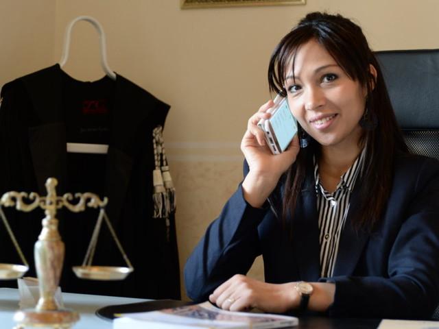 """Kaoutar Badrane, primo avvocato marocchino in Italia: """"Mi dicevano di tornarmene a casa mia"""""""