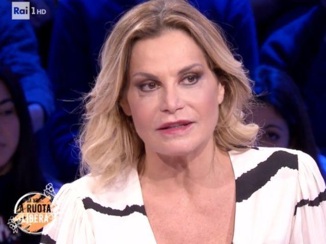 Simona Ventura, Da noi…a ruota libera: nozze, malelingue e futuro lavorativo