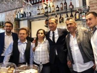 POSTOFFICESTATION: ANCHE FABRIZIO CORONA NEL LOCALE TOP DI MILANO