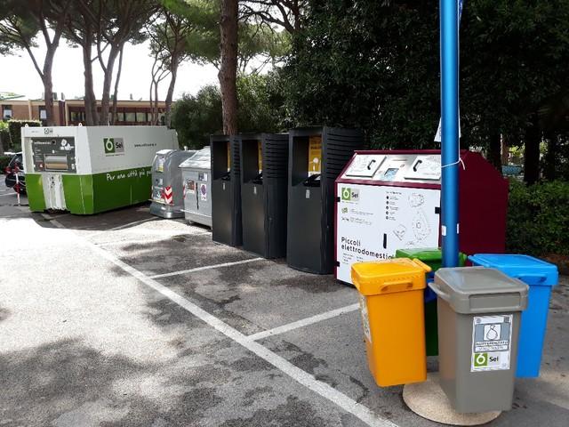 Sei Toscana, nuove attrezzature per la differenziata e piante alleate nella gestione dei rifiuti