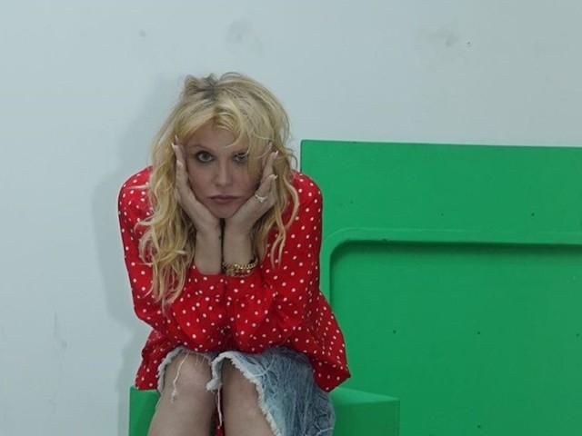 Mother è il nuovo singolo di Courtney Love per The Turning, non si esce vivi dagli anni '90 (testo, audio e traduzione)