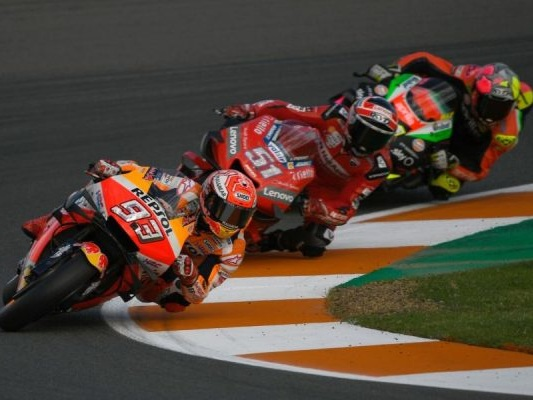 """MotoGP, Carmelo Ezpeleta: """"Un Mondiale di 10 gare? Sarei contentissimo. Preoccupati per la crisi"""""""