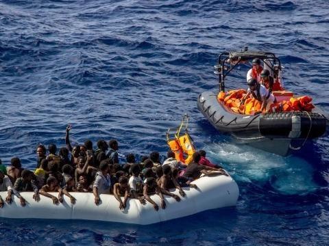 Migranti: Msf sospende attività
