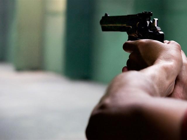 Illinois, uomo spara in un'azienda: 5 morti e 5 feriti