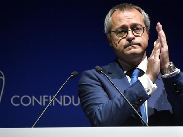 All'assemblea di Confindustria standing ovation per Draghi