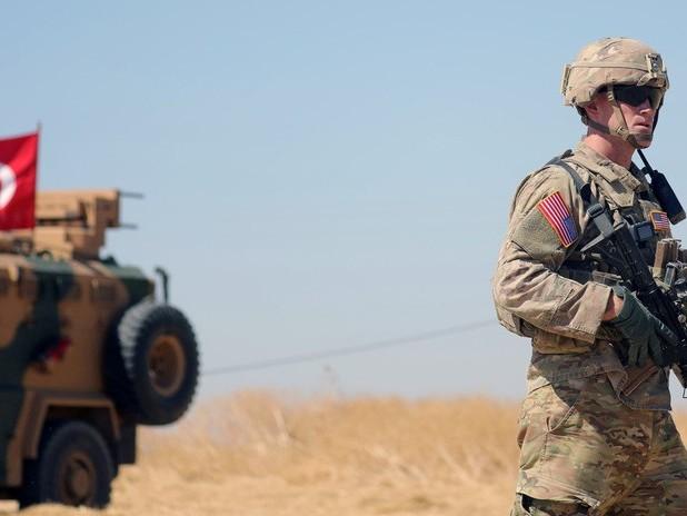 Nuova invasione della Siria: truppe turche e blindati al confine