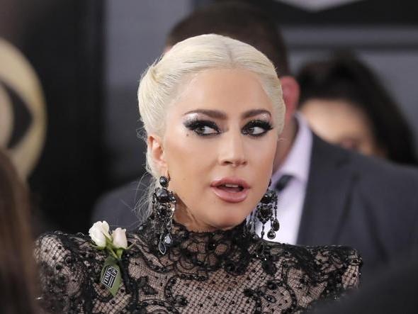 Pordenone: il prof. Tirelli invita Lady Gaga per curare la sua fibromialgia