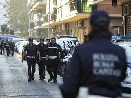 Roma, sequestri, rapine e botte con mazza ferrata, sei arresti a Ostia: «Vicenda simile a quella di Willy»