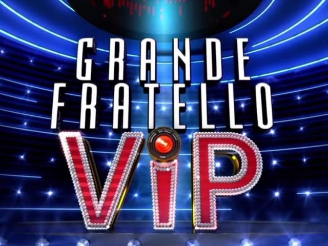 GF Vip, scherzo di Tommaso a Francesco Oppini: 'Sono innamorato di te'