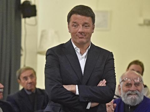 M5S: Renzi, fanno morale ma truffano