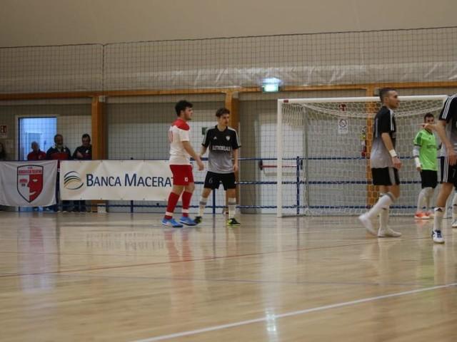 Calcio a 5, il Borgorosso Tolentino ferma la capolista Nuova Ottrano