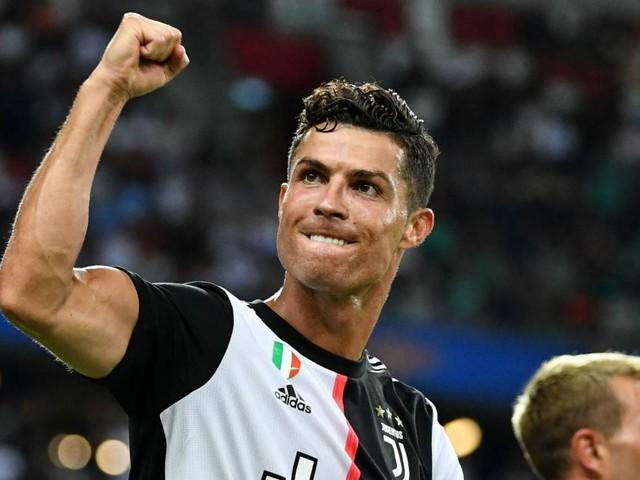 Cristiano Ronaldo raggiunge il traguardo dei 700 gol in carriera