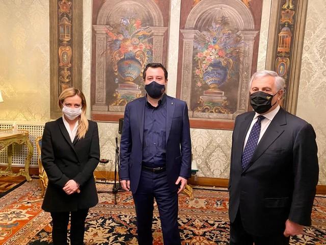 """Il centrodestra incontra Mattarella: """"Con questo parlamento è impossibile lavorare"""""""