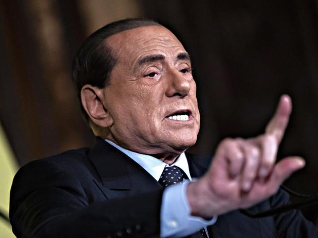 Berlusconitende la mano sull'ipotesi di scostamento. Il governo apre