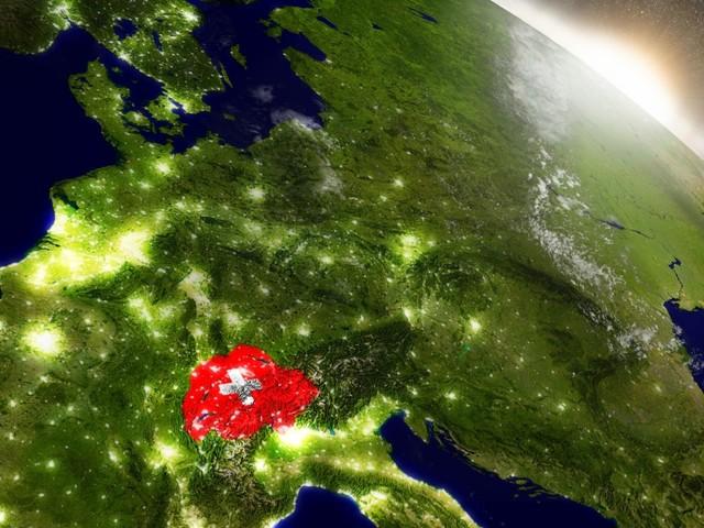 Coronavirus, la Svizzera toglie 4 regioni italiane dalla lista nera