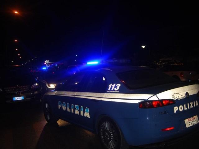 Spari e paura a Reggio Emilia, cinque feriti. Uno grave. Arrestato il presunto colpevole