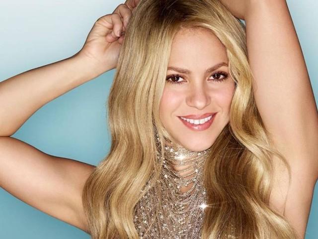 Shakira e la testa lontana dal corpo (con Photoshop)