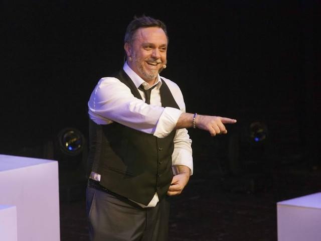 """Gabriele Cirilli al teatro Sala Umberto in """"Mi piace"""". Roma, dal 21 al 26 maggio"""