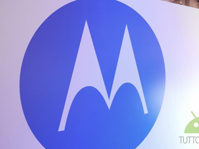 Rumor sulle modalità di sblocco della gamma Motorola 2018: riconoscimento facciale in 3D e disposizioni varie