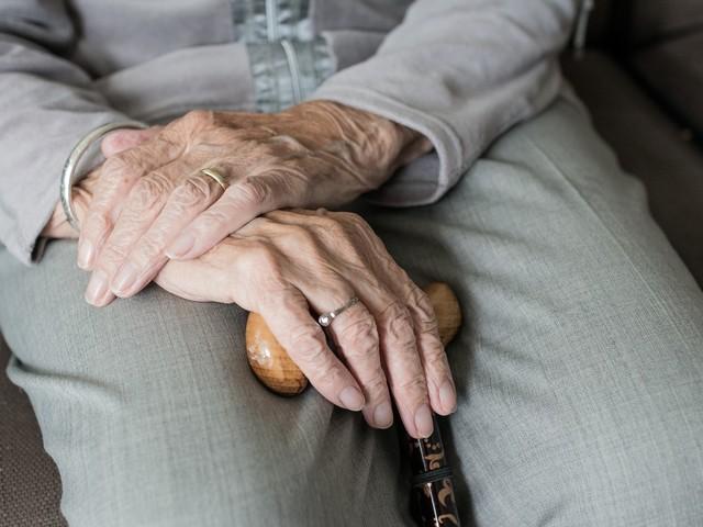 Pensione vecchiaia lavoratori non vedenti: requisiti e diritto
