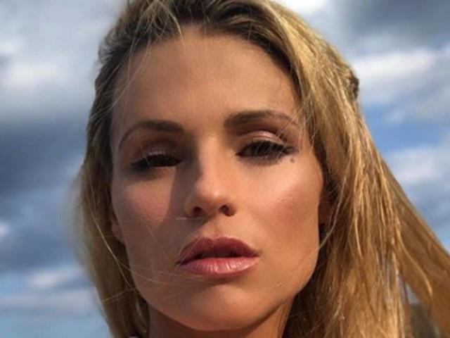 Michelle Hunziker al timone di Amici Celebrities: la conduttrice svela un retroscena con Maria De Filippi