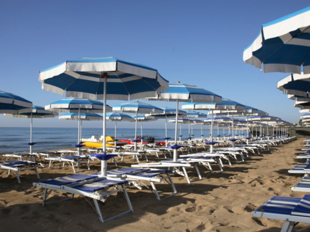 """Realizzato il progetto """"spiagge accessibili a tutti"""" sul territorio marchigiano"""