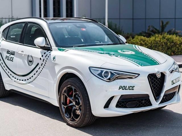 Alfa Romeo Giulia e Stelvio Quadrifoglio nella polizia di Dubai