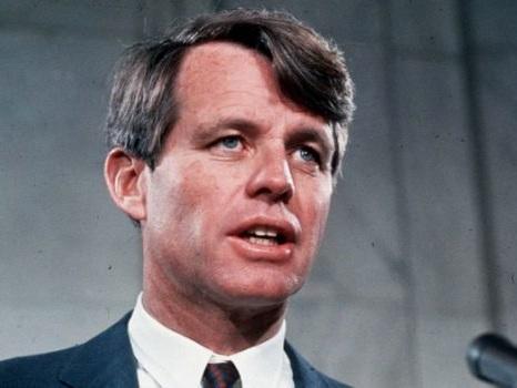 L'assassino di Bob Kennedy accoltellato in carcere