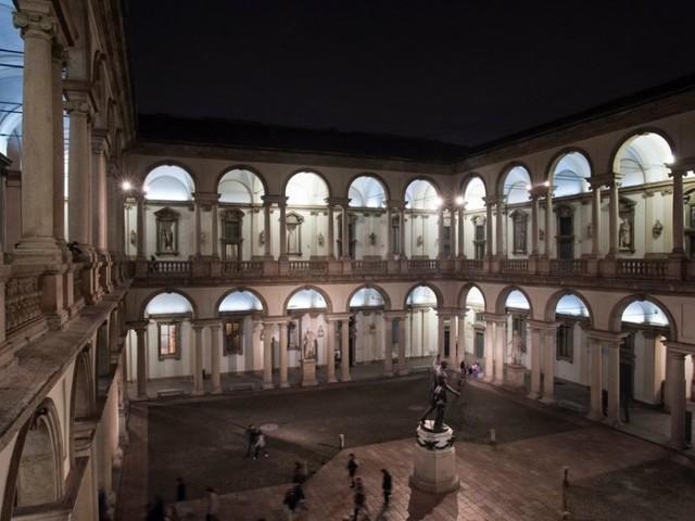 Brera di notte: quando l'arte assume una nuova luce – FOTO
