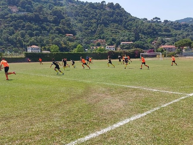 Calcio giovanile. I Giovanissimi 2006 della Polisportiva Vallecrosia Academy ospitano l'Ospedaletti (Foto)