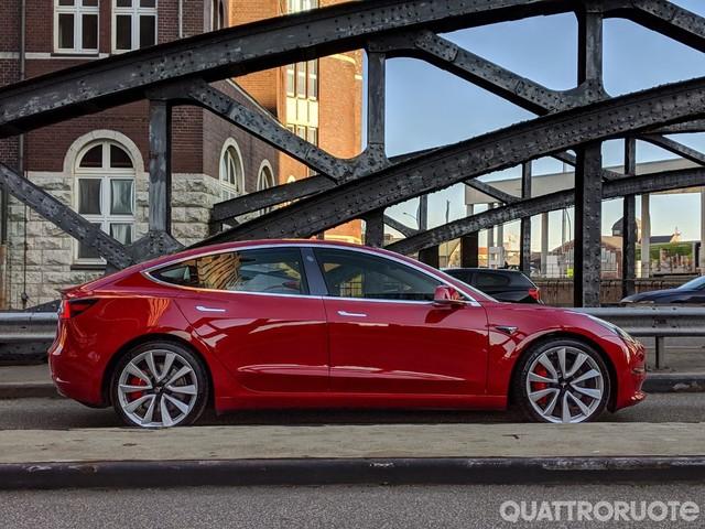 Tesla Model 3 - La Dual Motor in Italia con prezzi da 59.600 euro