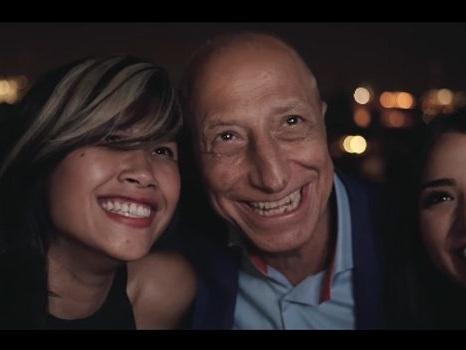 Video e testo di #CheFico di Pippo Franco, un remake versione millennial del brano del 1982