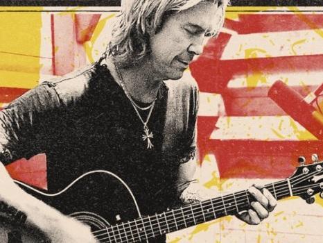Duff McKegan a Milano, il bassista dei Guns N' Roses in concerto in Italia