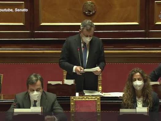 """Siparietto Draghi-Casellati: """"Forse la presidente mi ha tolto parola"""""""