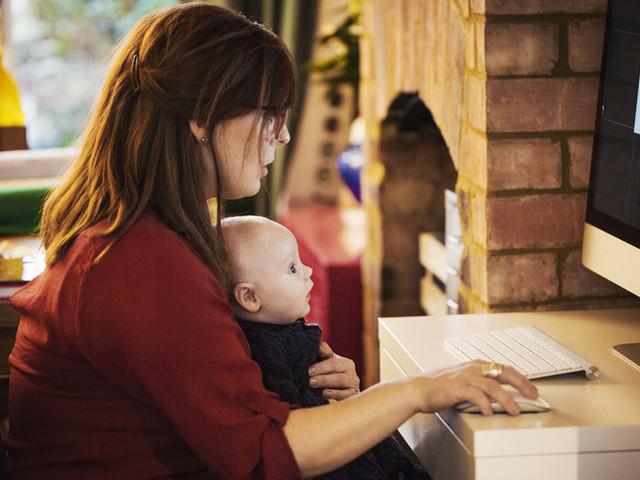 Lavoro: quasi 100 mila mamme hanno perso il lavoro a causa della pandemia