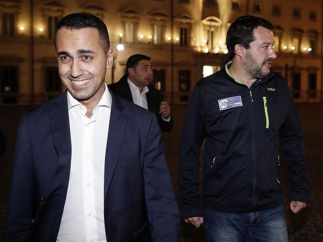 Legittima difesa, M5S depone le armi e tende la mano a Salvini: trovato l'accordo
