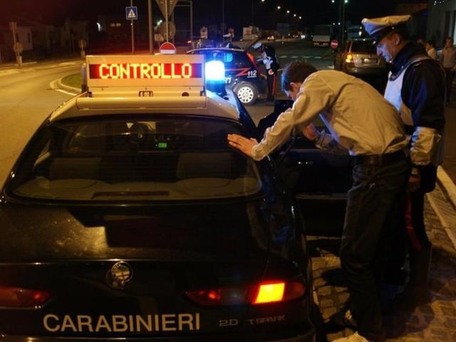 Fabriano: controlli sulle strade, due ubriachi al volante. Denunciati, patenti ritirate e auto sequestrate