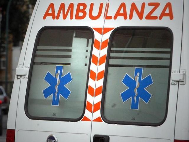 Perugia, straniero in bicicletta colpito da pietra: trasportato in ospedale in codice rosso