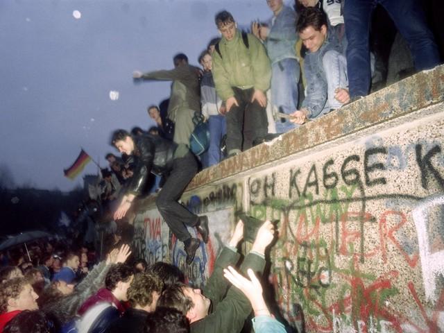 Trent'anni dopo il Muro serve la Norimberga del comunismo
