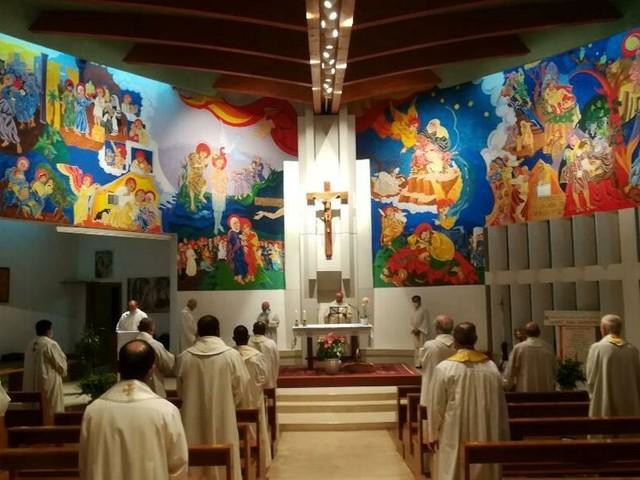 """Festa del Curato d'Ars, i sacerdoti celebrano il loro patrono: """"Tutti siamo chiamati a rimetterci in cammino"""""""