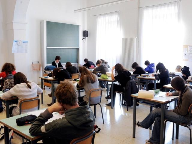 Decreto scuola 2019, assunzioni precari e nuovi concorsi ordinari e straordinari 2020