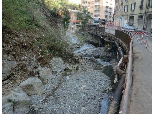 Come il cemento lungo i fiumi italiani ha aumentato il pericolo alluvioni